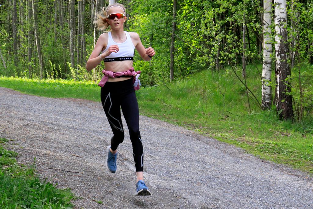 04 Emilie Flugsrud - arkivbilde fra Hovemoenløpet 2021.jpg