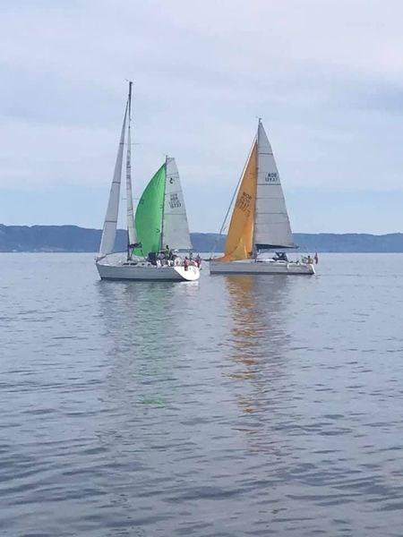 Et bilde som inneholder vann, utendørs, båt, himmelAutomatisk generert beskrivelse