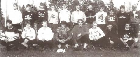 A-laget i 1996. Trener Jan Reidar Vågsdalen nederst t.h.
