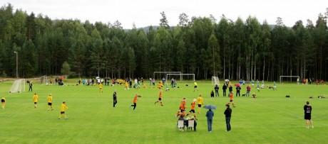 Mer aktivitet på Evje stadion enn på lenge