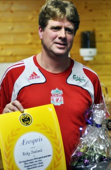 Ricky Smeland fikk Otra ILs Ærespris på årsmøtet i Otrahallen 1.12.2011.