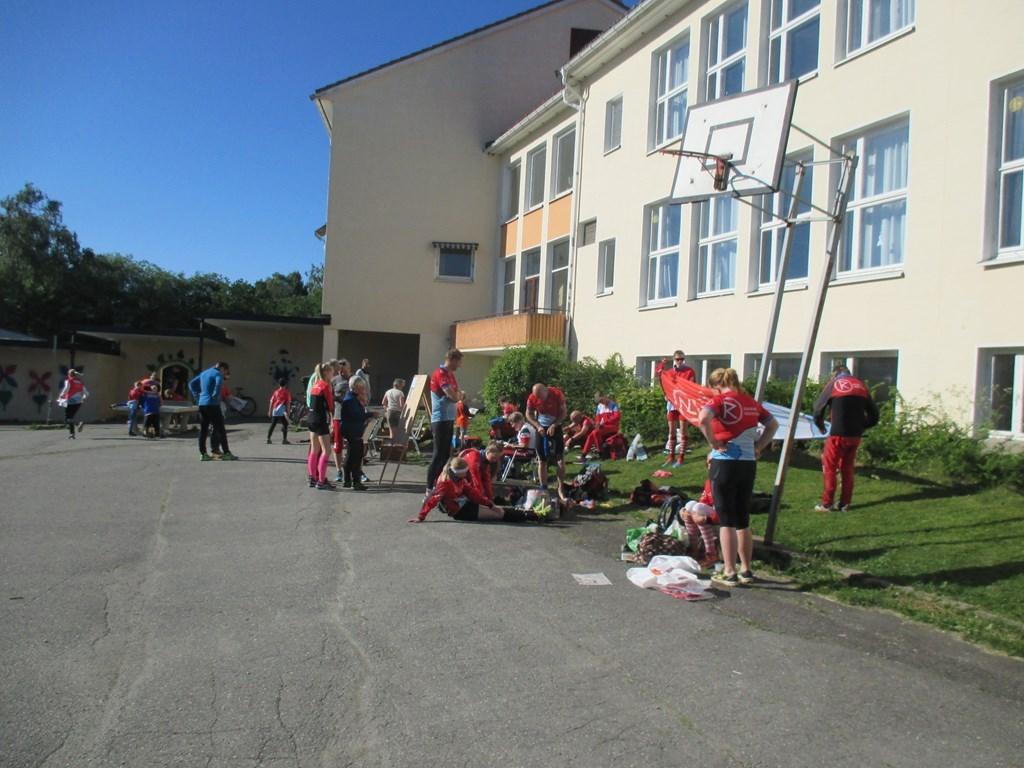 Samlingsplass ved Vilberg ungdomsskole under Drømmemila 2016.