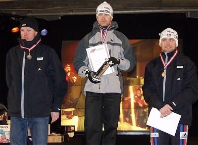 Kongepokal til Ole Einar Bjørndalen under NM på Ål i 2001. Kjem han tilbake i 2019?