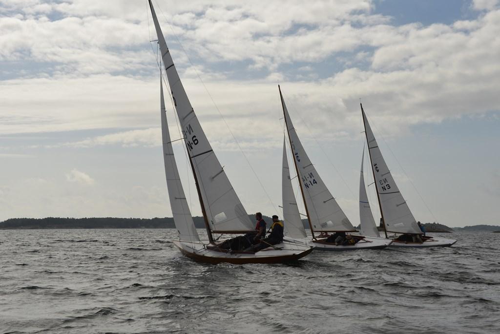 3 båter.JPG