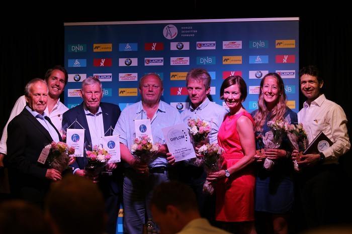 Ole Einar Bjørndalen tildeles Norges Skiskytterforbunds hederstegn og æresmedlemskap