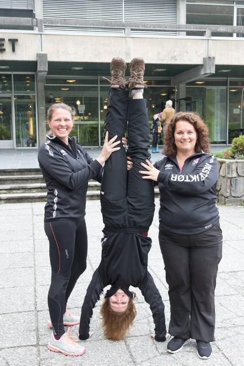 VIL HA BASISHALL: Hege Kristiansen i Førde IL Turn-styret, hovudinstruktør Susanne Wilhelm og turnstemneansvarleg Kjersti Støfring.